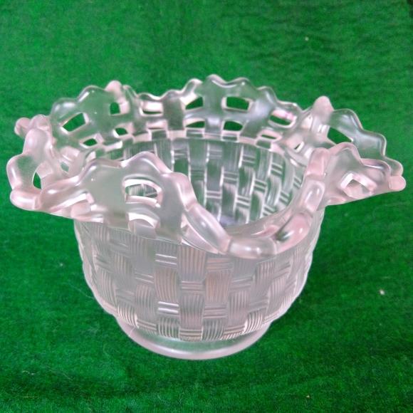 Vintage Fenton Frosted Scalloped Edge Basket Weave